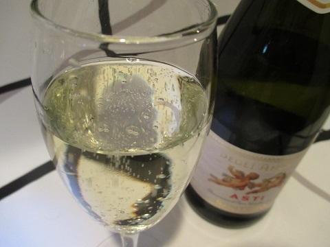 天使のアスティ 「白ワイン」 フルーティーなスパークリングワイン