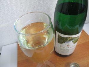 ワイン初心者でも美味しく飲める爽やかで香りが良いドイツ白ワイン・ユルツィガーヴュルツガルテン