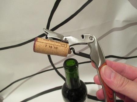 ワインオープナーの使い方を画像付きで説明します。~あっという間にコルクが抜けちゃいます!
