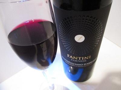 イタリア 赤ワイン 無難なミディアムボディで肉料理にはぴったり~ファンティーニ・モンテプルチアーノ・ダブルッツォ