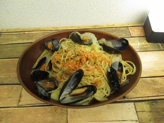 ハイ食材の冷凍ムール貝ならボイル済みだから下処理不要。手軽に調理できますよ。~やや甘め、辛口の白ワインに最高に合う食材