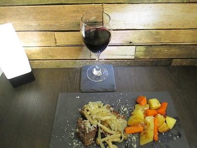 飲みやすい2種類のスパークリング赤ワイン・ランブルスコを飲みくらべ~微炭酸のクエルチオーリ・炭酸強めのコンチェルト