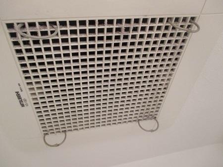 トイレ・洗面所の換気扇フィルターの代用を300円で自作する方法~面倒な掃除はもうしなくいい。