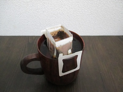 ドリップバッグがカップに浸からない一人用ドリップバッグスタンド~捨てづらいモヤモヤと雑味を解消
